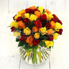 Букет из 51 красной, желтой и оранжевой розы 40 см. фото