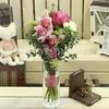 Букет из розовой орхидеи и роз фото