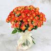 Букет из 25 желто-оранжевых кустовых роз фото