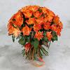 Букет из 51 оранжевой розы 40 см. фото