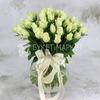 Букет из 51 белой розы 40 см. фото
