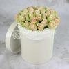 51 зелено-розовая роза в шляпной коробке фото