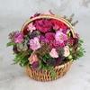 Корзина с розами, гвоздикой и фрезией фото