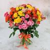 Букет из 25 кустовых роз разных цветов фото