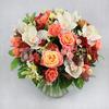 Букет из роз, хризантем и белой орхидеи фото