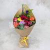 Букет из роз, гвоздик и гербер в упаковке из крафта фото