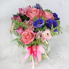 Букет из анемонов, роз и гиацинтов фото