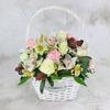 Композиция из белой орхидеи, гвоздики и роз фото