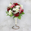 Букет невесты из белой фрезии, красных роз и альстромерии фото