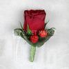Бутоньерка из розы с гиперикумом фото
