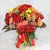 Букет из красных роз, калл и гвоздики фото