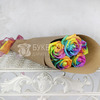 Букет из 5 радужных роз в крафте фото
