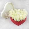25 белых роз в сердце фото