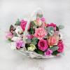 Композиция из орхидеи, гвоздики и роз в корзине фото