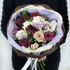 Оригинальный букет из роз, гвоздики и орхидеи фото