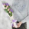 Нежный букет из роз и маттиол фото