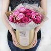 Композиция из розовых роз в шляпной коробке фото