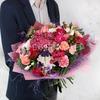 Авторский букет из роз, гвоздик, гортензий и хризантем фото