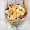 Красивый букет из роз, хризантем и гвоздик фото