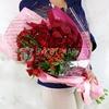 Красивый букет из альстромерий, роз и гиперикумов фото