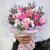 Купить со скидкой Стильный букет из роз и гвоздик с лавандой и хлопком