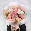 Букет из роз, хризантем и гипсофилы фото