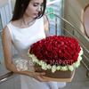 Композиция из 101 розы в сердце фото