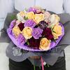 Букет из роз, лунных гвоздик и орхидей фото