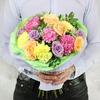 Букет из гвоздик, роз, гипсофилы и зелени фото