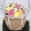 Композиция из роз, гвоздик и гипсофил в подарочной коробке фото