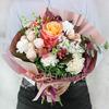 Букет из сирени, роз, альстромерий и гвоздик фото