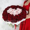 51 красная роза с конфетами Раффаэлло фото