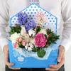 Композиция из роз, гвоздик и гиацинтов в декоративной коробке фото