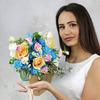 Букет невесты из роз, гвоздик и ромашки фото