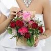Композиция из роз, гвоздики и альстромерии в ящике фото