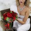 Букет невесты из роз, гвоздик, альстромерий и гиперикума фото