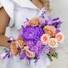 Букет невесты из роз, хризантем и гвоздик фото