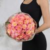 Букет из 31 коралловой розы фото
