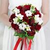 Букет невесты из роз, фрезий и хлопка фото