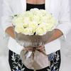 Букет из 21 белых роз фото