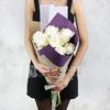 Букет из 9 белых пионовидных роз фото
