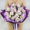 Букет из сиреневых роз и маттиол фото