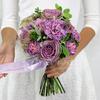 Букет из роз, гвоздик и мяты фото
