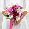 Букет из кустовых роз, фрезий и орхидей фото