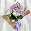 Букет из роз, маттиол и гвоздик фото
