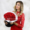 Букет из 51 красных роз в шляпной коробке фото