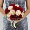 Букет из роз и эвкалипта фото