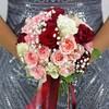 Букет из роз, гвоздик и гипсофилы фото
