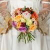 Букет невесты из роз, ежевики и эвкалипта фото