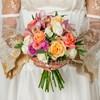 Букет невесты из орхидей, роз и эвкалипта фото